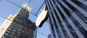 Apple Inc's (NASDAQ:AAPL) restructuring of its stores back on track