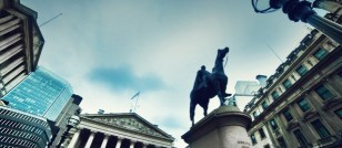 Bank of England Delays Interest Rate Hike